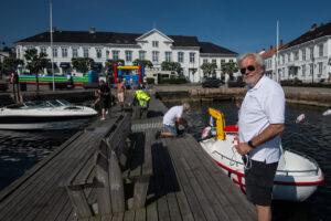 Karl Petter Nylen konstaterer at det er mye på gang under Barnas Kiwanisdag. Foto: Tore Myrberg
